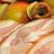 Mit Produktfotografie können moderne Unternehmer für wenig Geld viel Werbewirkung erzielen. Das kann ein Bild sein wie dieses, fast beiläufig auf einer Fleischer-Messe geschossen oder ein aufwändig inszeniertes Foto wie das Bild vom Grillfleisch oder das Gewürzsortiment des marrokanischen Gewürzhändlers.